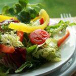 Conheça alguns benefícios de consumir saladas diariamente